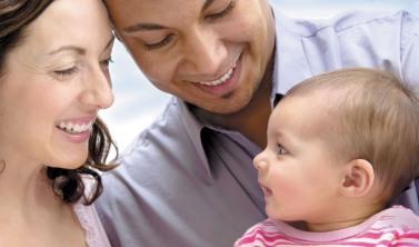 hispanic_family_w_baby